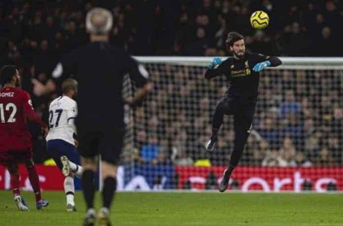 Alisson Paling Sempurna Bagi Liverpool Karena Alasan Ini
