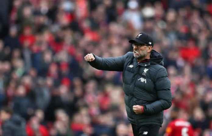 Jurgen Klopp Tak Masalah di Manapun Liverpool Angkat Trofi
