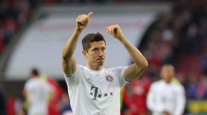Tendangan Penalti Tipuan Lewandowski dan Perayaan Gol Model Baru