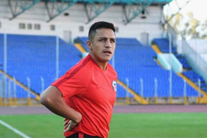 Alexis Sanchez Bikin Bingung Pemain PSG Ini