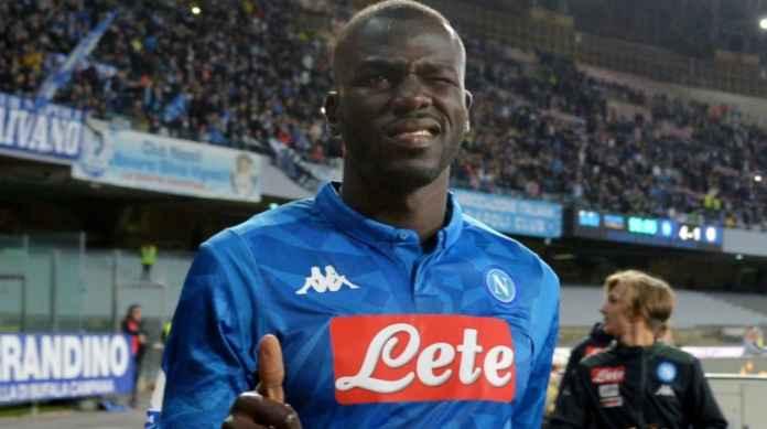 Kalidou Koulibaly pemaon Napoli incaran Liverpool dan Manchester City