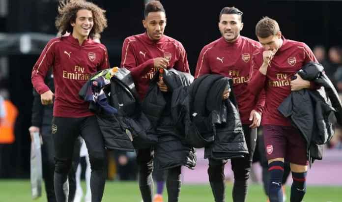 Arsenal Jual Seluruh Pemainnya, Termasuk Mesut Ozil dan Shkodran Mustafi