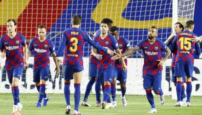Pemain Barcelona saat merayakan gol Ivan Rakitic ke gawang Athletic Bilbao