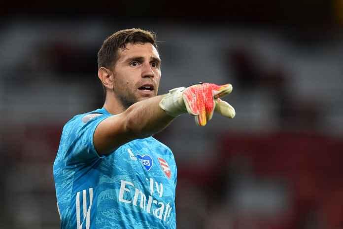 Alisson Becker Puji Penampilan Kiper Arsenal