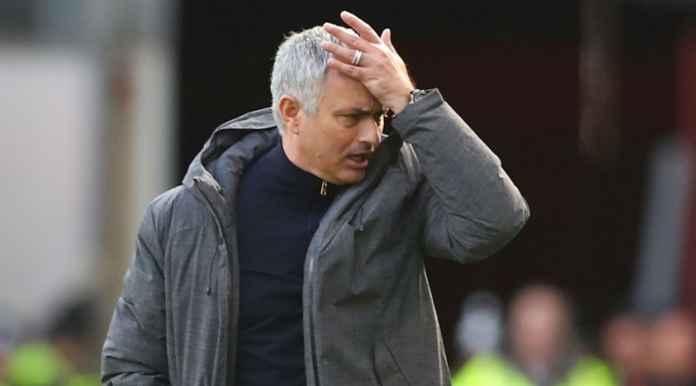 Arsenal Ejek Tottenham Hotspur di Facebook, Jose Mourinho Balas!