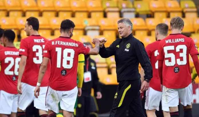 Skuad Manchester United dan pelatih Ole Gunnar Solksjaer