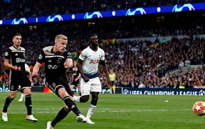 Kasihan, Real Madrid dan Manchester United Ditolak Bintang Ajax