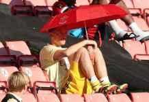 Agen bintang bola klub Liga Inggris Arsenal, Mesut Ozil, memberikan petunjuk bahwa sang bintang bisa saja transfer ke sebuah klub Asia.