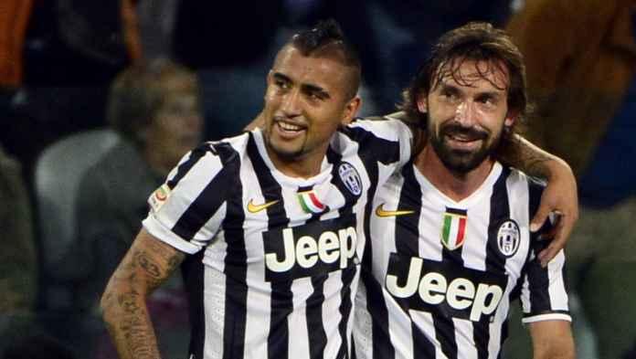 Pemain Barcelona Arturo Vidal saat bermain bersama Andrea Pirlo di Juventus