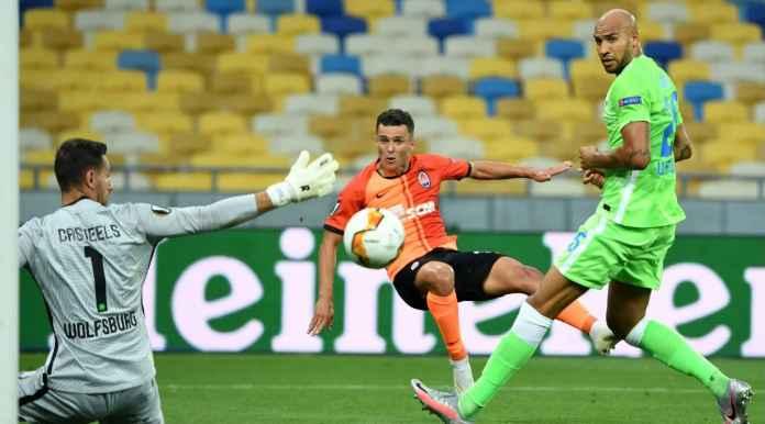 Bekas Tim Willian, Fernandinho Cetak 3 Gol Dalam 4 Menit Tadi Malam