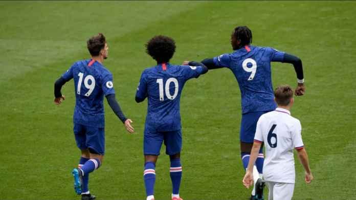 Willian Pergi, Jersey Chelsea No 10 Diperebutkan Tiga-Empat Pemain