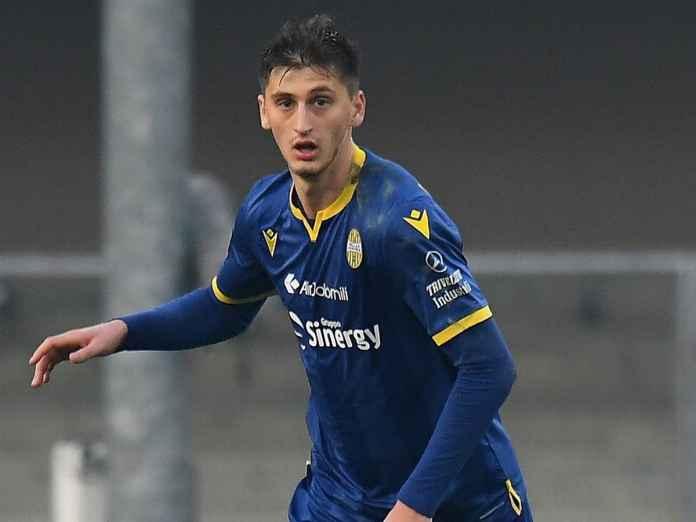 AS Roma Fokus Datangkan Bek Hellas Verona