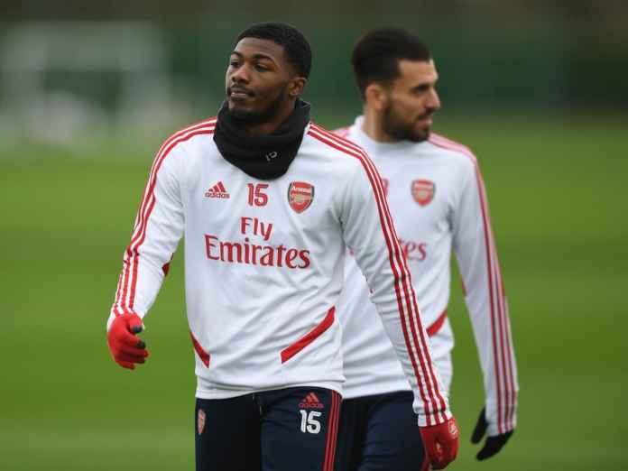 Bek Arsenal sedang mempertimbangkan untuk pergi