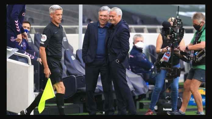Jose Mourinho mengawali laga Tottenham Hotspur vs Everton dengan senyuman bersama manajer lawan Carlo Ancelotti, namun mengakhiri laga pada Senin (14/9) dini hari dengan wajah marah. Sepanjang kariernya, ini kali pertama Mourinho kalah di laga pertama musim ini.