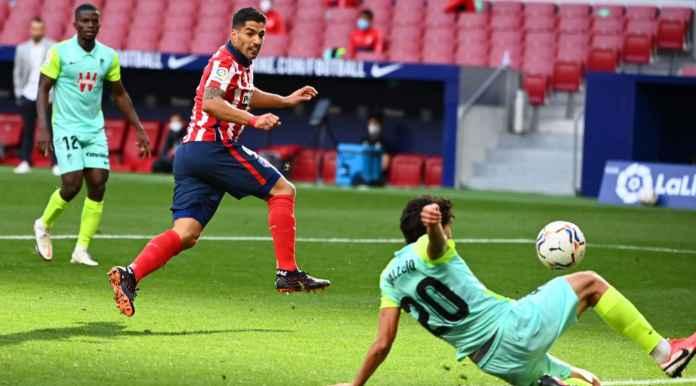 Halo Barcelona, Menyesal Gak Lepas Luis Suarez? Dua Gol Saat Debut di Atletico Nih