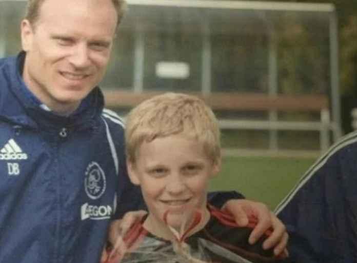 Donny van de Beek, Calon Petani yang Ditempa Ajax Menjadi Bintang