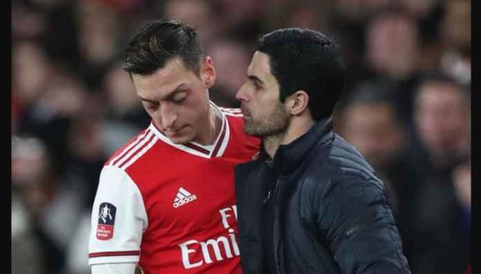 Nama Mesut Ozil Hilang Dari Skuad Arsenal, Mau Dibikin Seperti Gareth Bale?