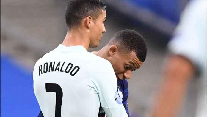 Merangkul Ronaldo, Kylian Mbappe Absen Lawan Manchester United?