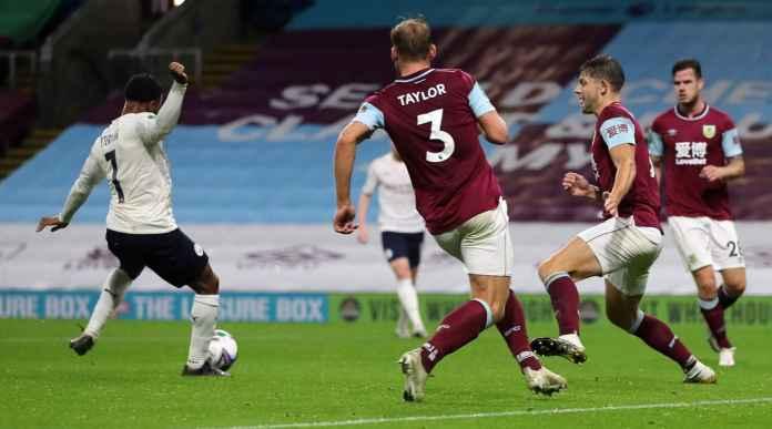 Dua Gol Sterling Loloskan Man City ke Perempat Final, Kalahkan Burnley 0-3