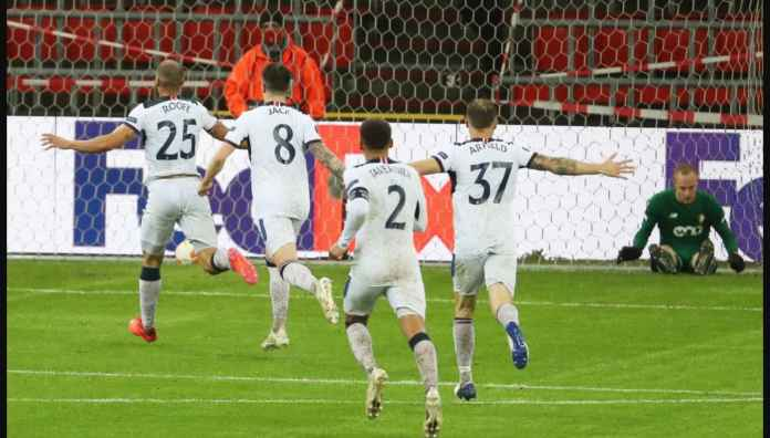 Roofe Cetak Gol Setengah Lapangan, Gerrard: Gol Terbaik Yang Pernah Saya Lihat