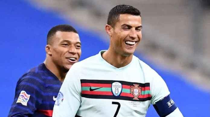 Lihat Baik-baik, Ini Mungkin Senyum Terakhir Ronaldo di Depan Mbappe