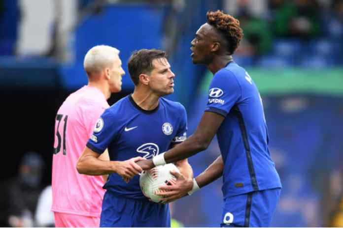 Perkenalkan Adegan Memalukan, Pemain Chelsea Rebutan Penalti
