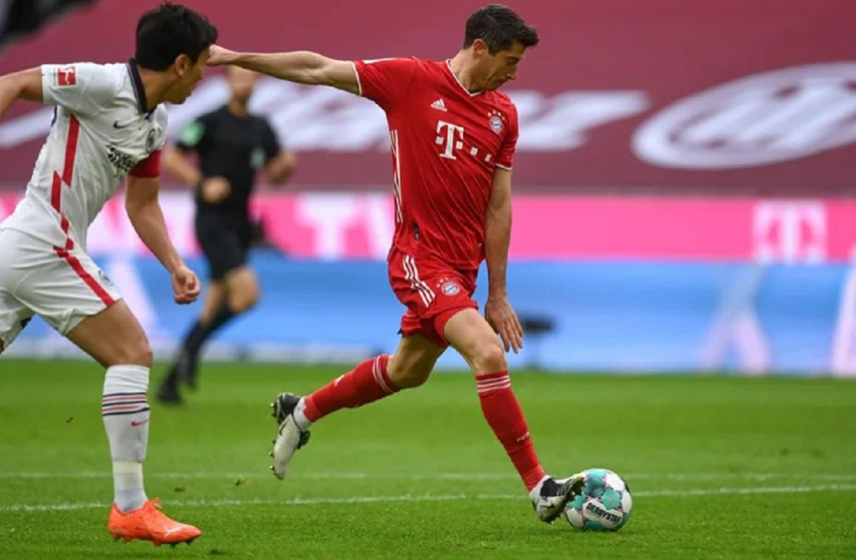 Hasil Bayern Munchen vs Eintracht Frankfurt: Lewandowski ...