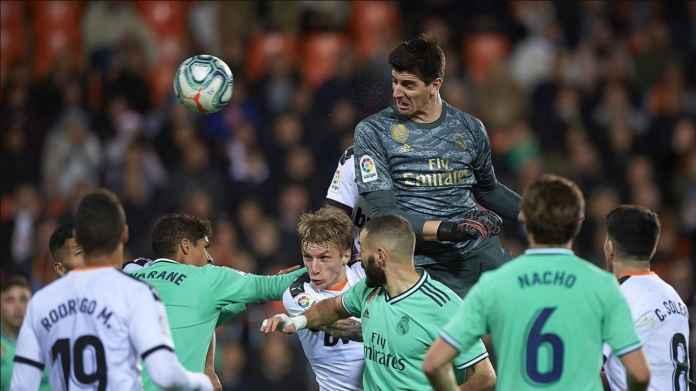Kiper Courtois Bangkitkan Semangat Real Madrid Usai Dua Kekalahan
