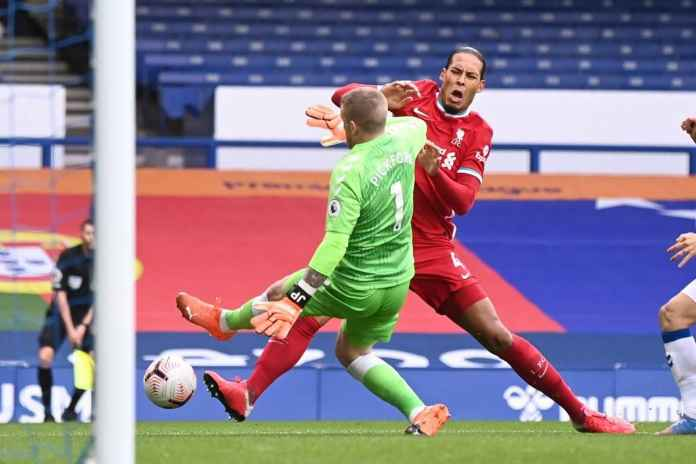 Virgil van Dijk Cedera, Liverpool Tak Perlu Panik