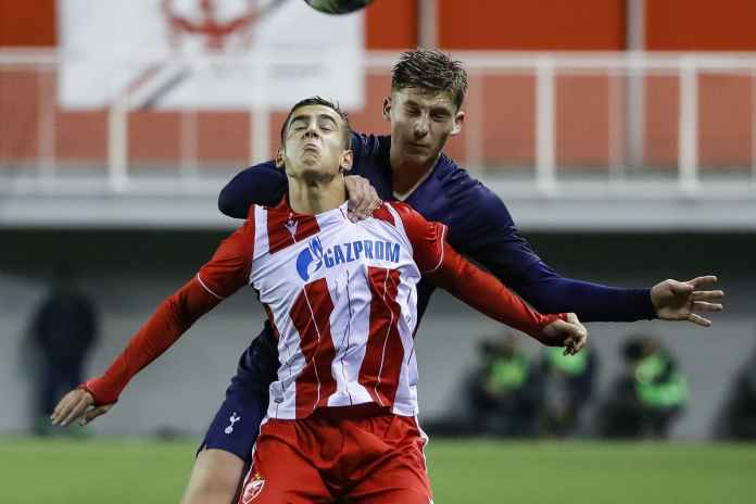 AC Milan menyaksikan Red Star Beograd muda
