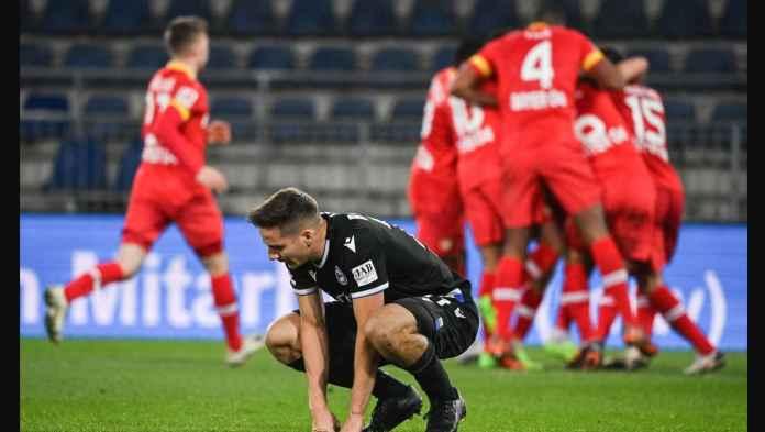 Kiper Bayer Leverkusen Cetak Gol Bunuh Diri Paling Memalukan Abad Ini