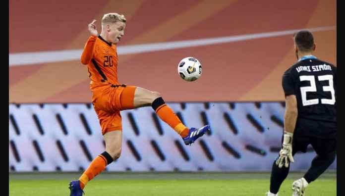 Dicuekin Man Utd, Donny van de Beek mencetak gol indah untuk Belanda tadi malam
