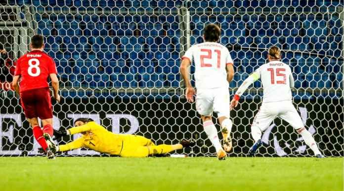 Kebanyakan Gaya Saat Penalti, Sergio Ramos Akhiri Rangkaian 25 Penalti Tak Terpatahkan