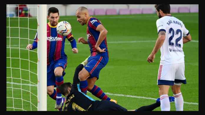 Hasil Barcelona vs Osasuna, Messi dan Braithwaite Berebut Bola, Blaugrana Dekati Real Madrid