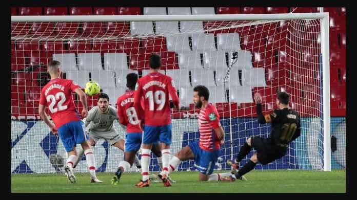 Hasil Liga Spanyol Tadi Malam: 2 Gol Messi, 2 Gol Griezmann Bawa Barcelona 34 Poin