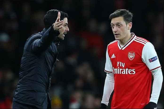 Mesut Ozil Sepakat Tinggalkan Arsenal Lebih Cepat Bulan Ini