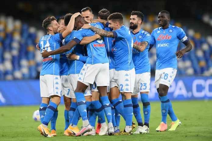 Napoli Tidak Lepaskan Bek Tengah Ke Klub Inggris
