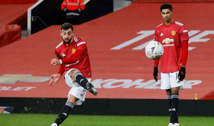 Fernandes Ungkap Peran Penting Cavani Pada Gol Free Kick Penyayat Hati Liverpool