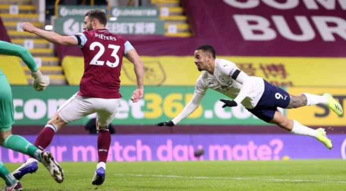 Gabriel Jesus mencetak gol ke 75 bagi Manchester City saat melawan Burnley tadi malam