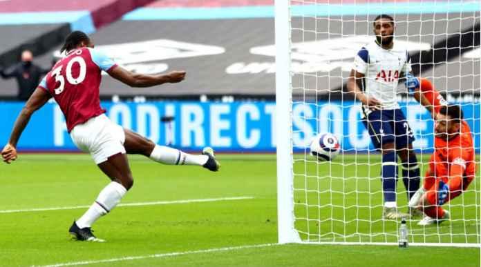 Tottenham Tertinggal Satu Gol, Tapi Mourinho Tak Pernah Kalah Oleh David Moyes