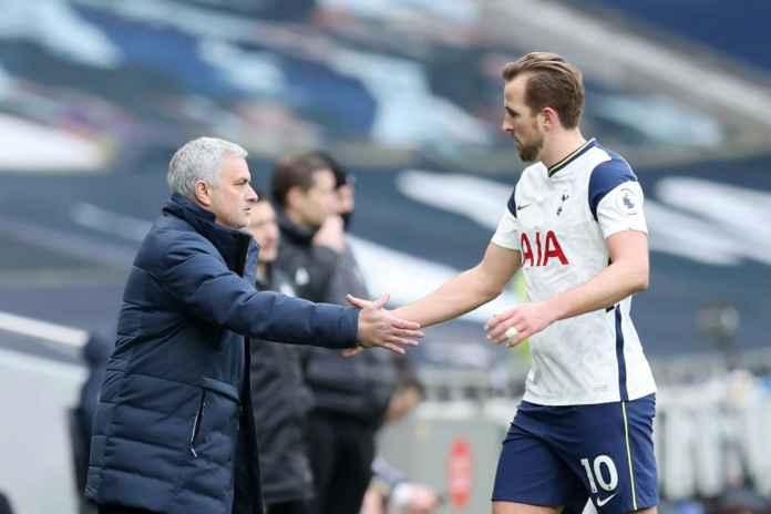 Mourinho Ditunggu Responsnya Jika Strikernya Pergi