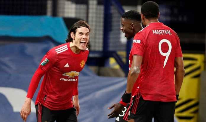 Manchester United Telat Lima Tahun Beli Edinson Cavani, Kini Butuh Striker Baru Lagi