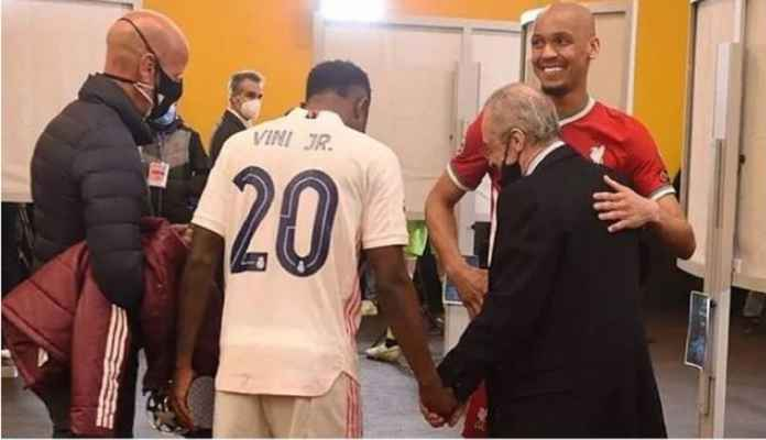 Fabinho Bisik-bisik dengan Presiden Real Madrid Usai Liverpool Kalah
