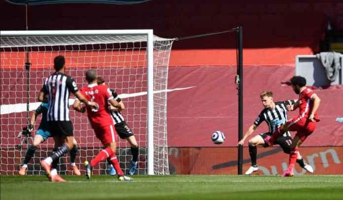 Hanya empat menit, Mohamed Salah memimpin Liverpool untuk mengalahkan Newcastle