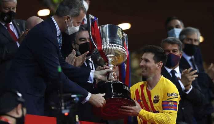 Lionel Messi Bangga, Angkat Trofi Copa del Rey Pertama Sebagai Kapten Barcelona