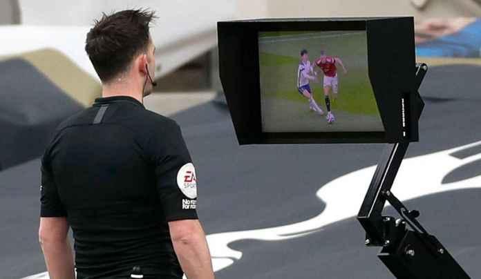 Legenda Man City & United Sepakat Kritik Kinerja VAR Usai Gol Cavani Dianulir