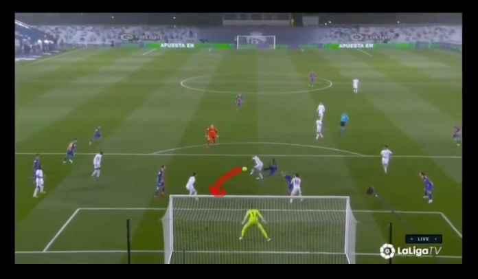 NYARIS! Lihat Peluang Terakhir Barcelona Ini, Hantam Keras Mistar Gawang, Gagal Gol!