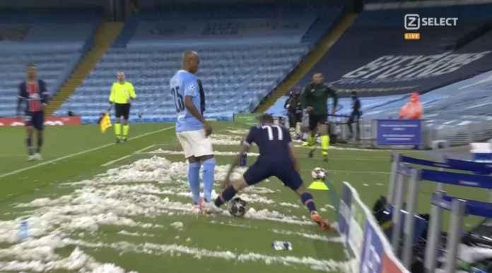 Saking Frustrasi, Angel Di Maria Injak Kaki Kapten Manchester City Seperti Injak Semut, Kartu Merah!