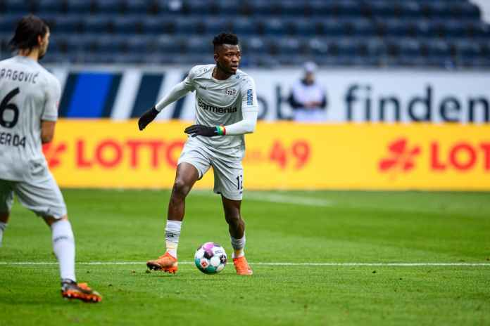 Bayer Leverkusen Persulit Lepas Beknya ke Inggris