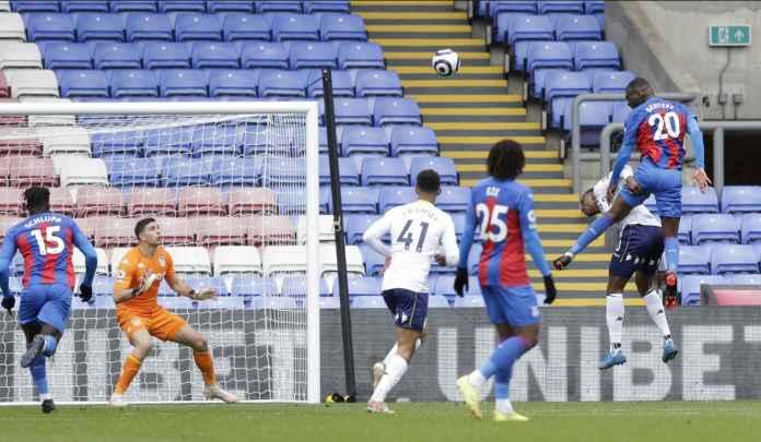 Christian Benteke Masuk 10 Besar, Ini Pencetak Gol Sundulan Terbanyak Premier League